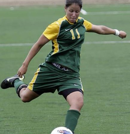 Persaud signs for W-League team